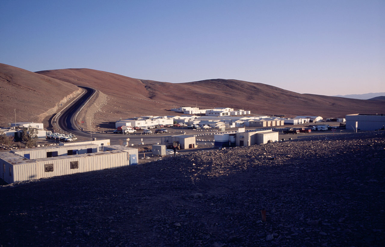 The Paranal Basecamp in morning light.